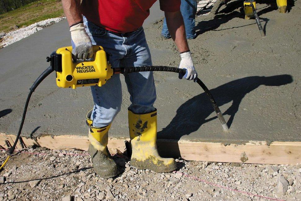 глубинный вибратор для заливки бетона